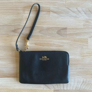 Coach Black Leather Wristlet Bag Gold Hardware